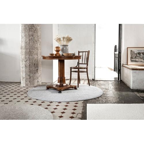 Biely, sivý a béžový kusový koberec Viita fínskej značky VM-Carpet z vlny a ľanu
