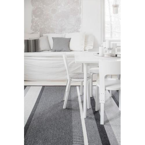 Kusový koberec Laituri finské značky VM-Carpet z vlny a papírového vlákna