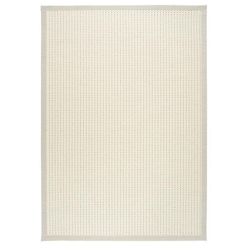 Bílý kusový koberec Valkea z vlny a papírového vlákna od finského výrobce VM-Carpet