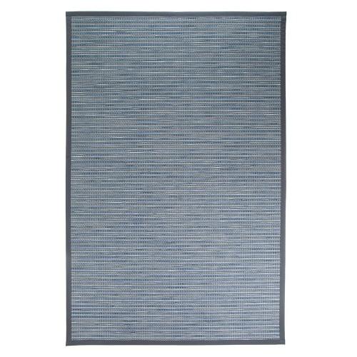 Modrý kusový koberec Honka z papierového vlákna od fínskeho výrobcu VM-Carpet