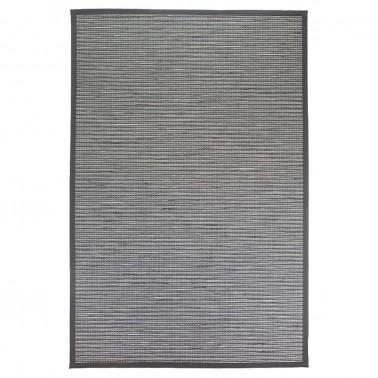 Čiernobiely kusový koberec Honka z papierového vlákna od fínskeho výrobcu VM-Carpet