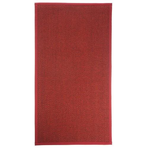 Červený kusový koberec Barrakuda z prírodného sisalu od fínskeho výrobcu VM-Carpet