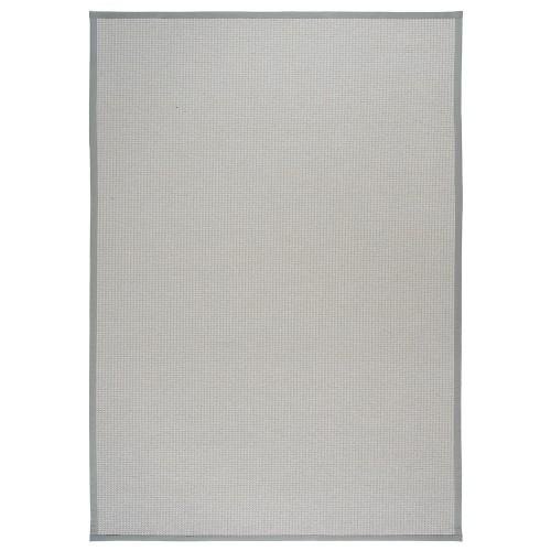 Svetlo sivý kusový koberec Lyyra tkaný z bavlny a papierového vlákna od fínskeho výrobcu VM-Carpet