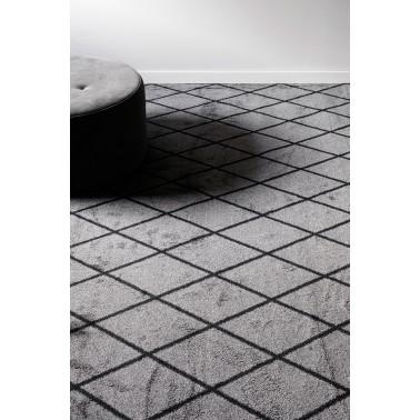 Tmavě šedý kusový shaggy koberec Salmiakki od finského výrobce VM-Carpet
